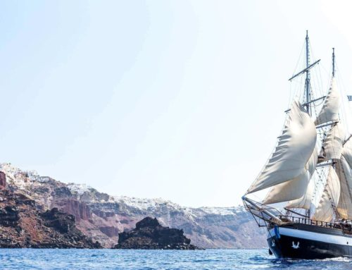 Why should I book my Santorini sailing tour now?